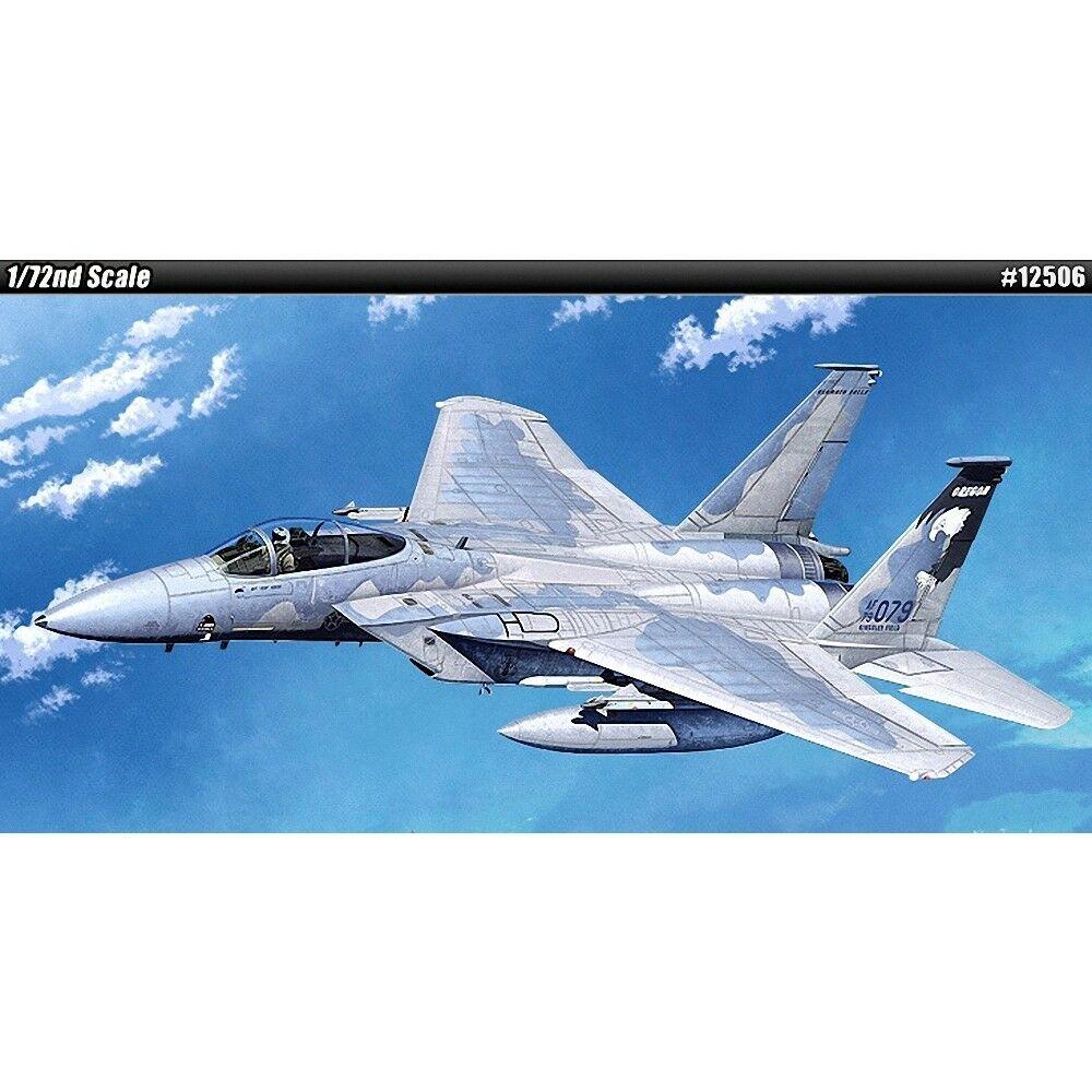 самолет F-15C (1:72)